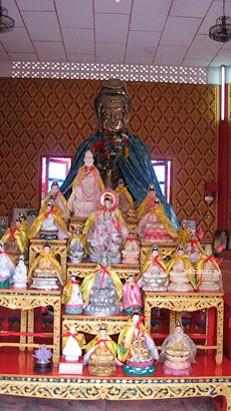 Храм лежащего Будды Золотой Будда