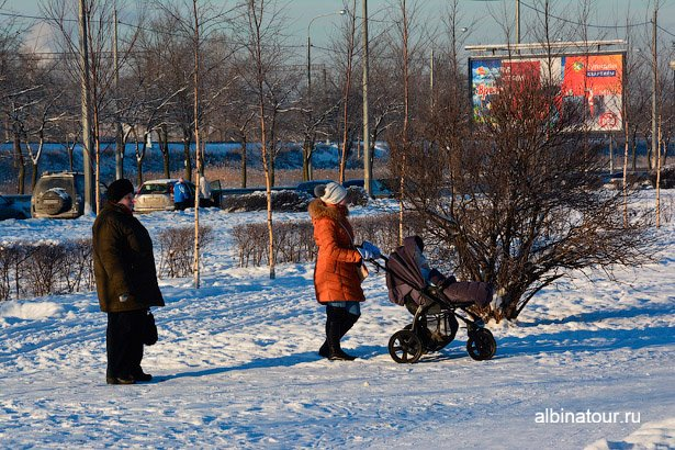 Прогулка в яблоневом саду СПб