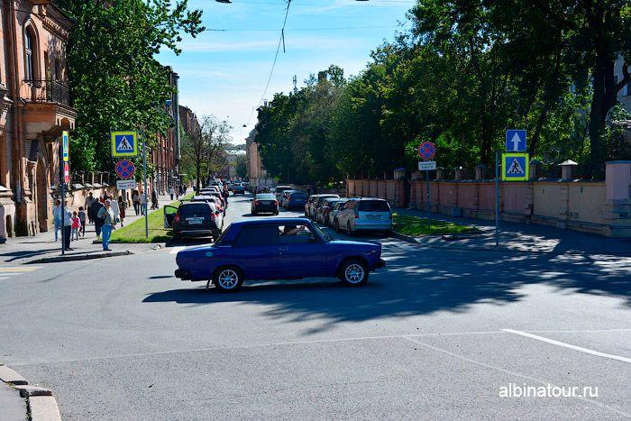 Новая Голландия фото парковка на улице Писарева
