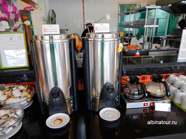 Отеле The Three By APK 3 Пхукет фото завтрака чай и кофе