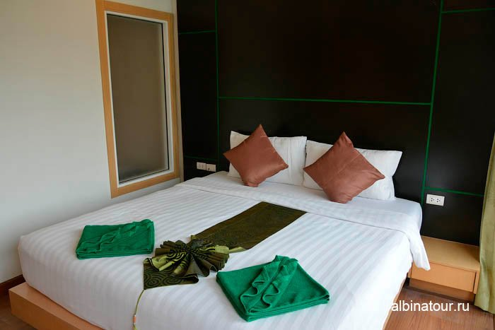 Фото кровати номера отеля The Three By APK 3* Пхукет Phuket