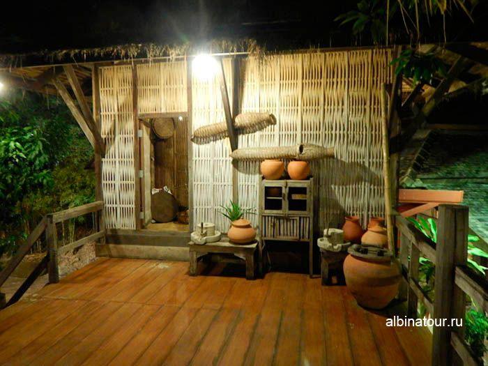 Фото домашняя утварь Тайской деревни на шоу Сиам Нирамит Пхукет