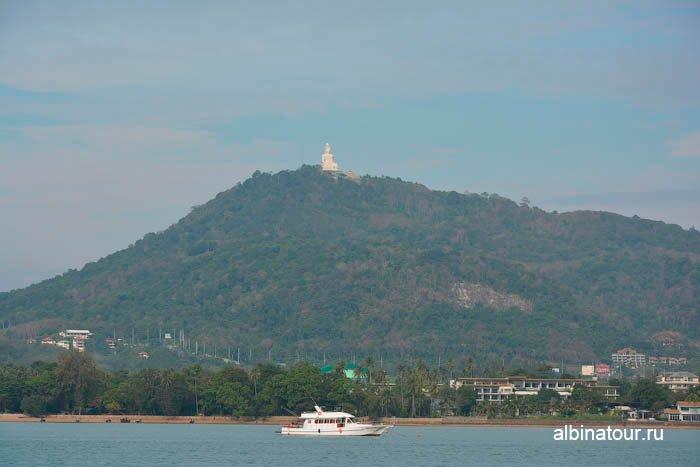 Нас провожал Большой Будда Пхукет порт Чалонг Chalong pier