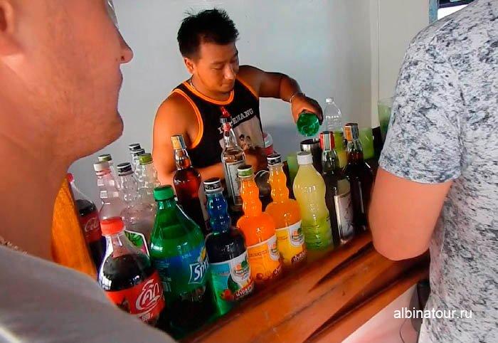 Фото Спиртное в баре на корабле в Андаманском море