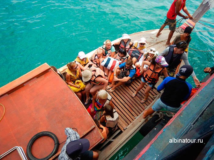 Переправа на остров Хонг в Андаманском море фото