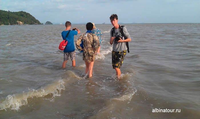 Уровень воды на песчанная коса Яо Яй | Yao Yai в Таиланде