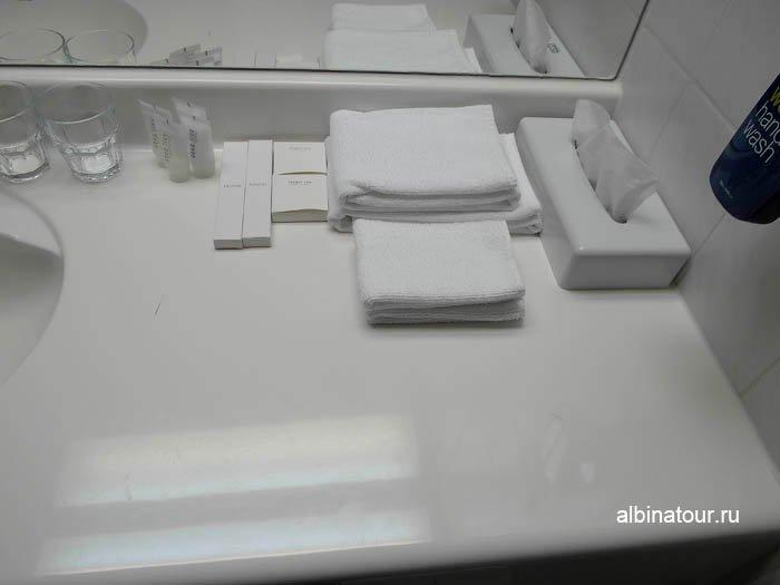 Гигиенические принадлежности в ванной комнате отля фото
