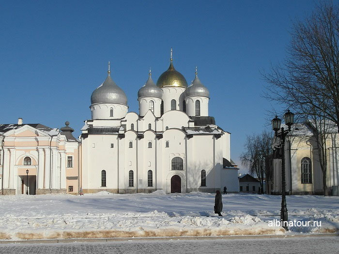 Софийский собор со стороны памятника Тысячелетию Российской Государственности фото