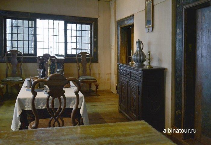 Фото Столовая комната в домике Петра в Санкт Петербурге