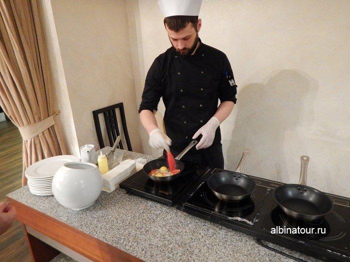 Фото повар в ресторане Biskvit ForRestmix club | Форрестмикс клуб в Репино Санкт Петкрбург