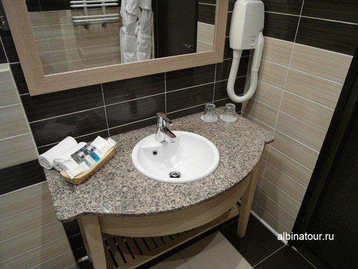 Фото фен ванная комната в номере ForRestmix club | Форрестмикс клуб Репино Санкт Петербург