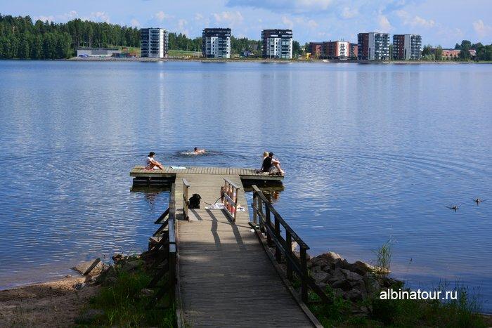 Фото мосток на берегу залива Sunisenselka озера Сайма Лаппеенранта в кемпинге Хухтинием | Huhtiniemi camping в Лаппеенранте