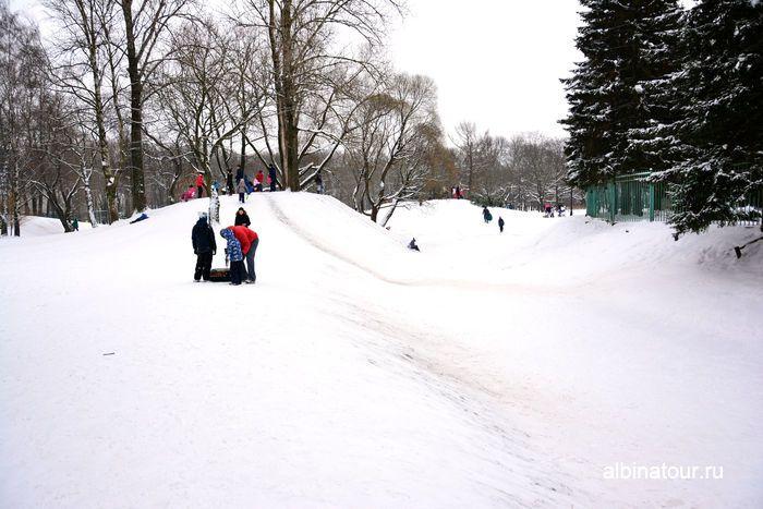 Другой ракурс на снежные горки парк Победы Санкт Петербург