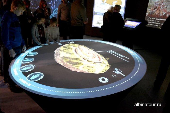 Интерактивный экспонат в историческом парке в Санкт Петербурге