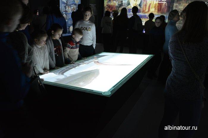 Другой вариант интерактивного экспоната для детей в историческом парке в Санкт Петербурге