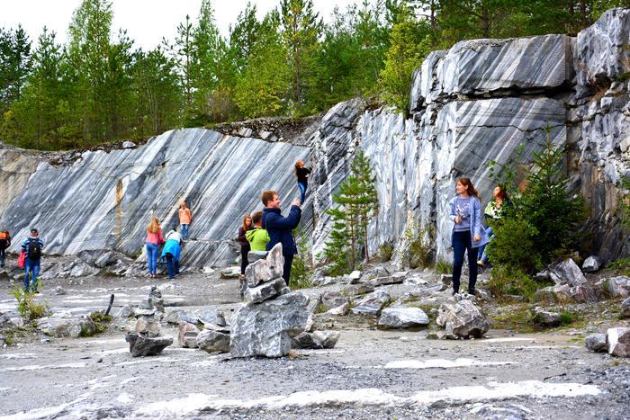 Россия Карелия  Рускеала мраморный каньон фото в итальянском карьере