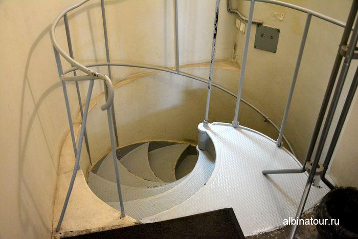 Лестница на выход из музея Нарвские ворота