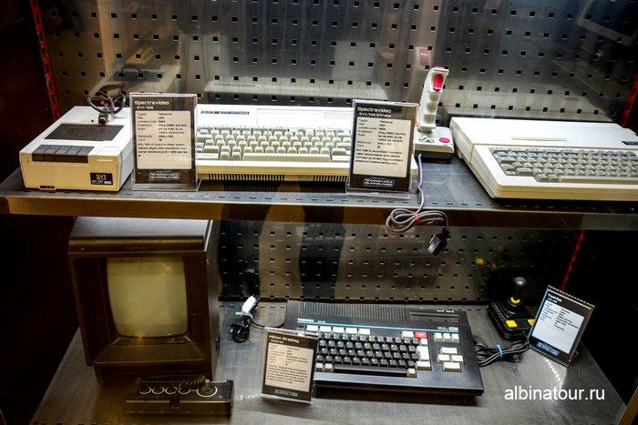 музей компьютеров и игровых приставок в магазине Verkkokauppa