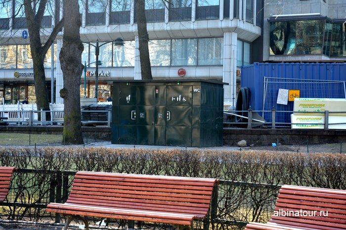Бесплатный туалет в парке Эспланада Хельсинки фото