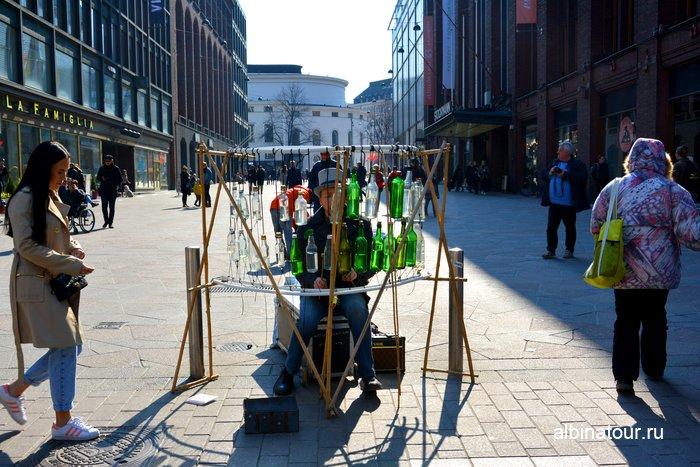 Уличный музыкант Хельсинки