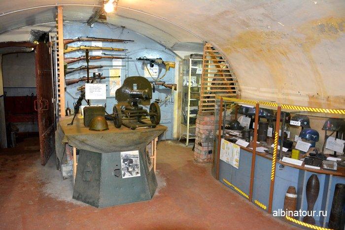 Различное вооружение и боеприпасы в музеи Красная горка фото