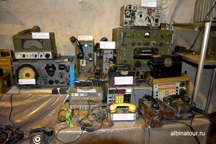 Стенд с оборудованием связи в музеи Красная горка