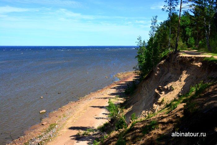 Утес у форта Красная горка Финский залив фото